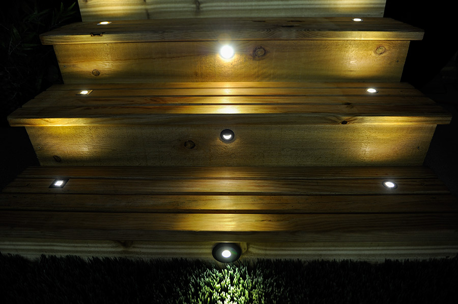 Landscape Low Voltage Deck Lighting