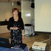 Lea Pailamo, IW:n 40-vuotishistoriikki ppt-ohjelmalla esitys