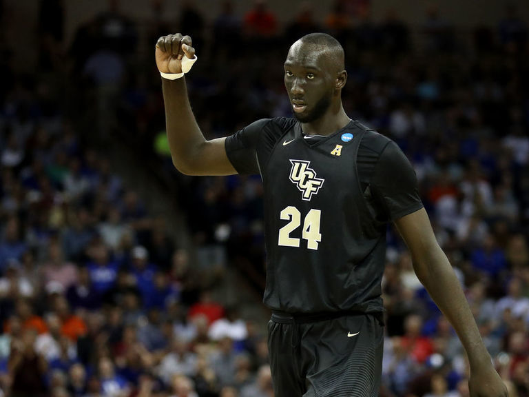 Boston In The Fall Wallpaper Celtics Sign 7 Foot 7 Tacko Fall To Exhibit 10 Contract