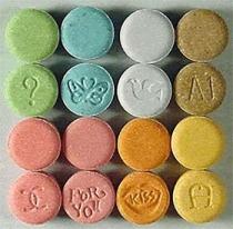 Pastillas de MDMA en varios colores