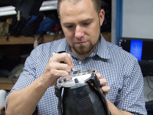 3d-printing-adjustable-prosthetic-legs-6