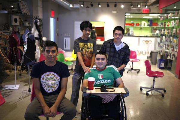 16-year-old-redesigns-wheelchair-with-classmates-3d-printing-10
