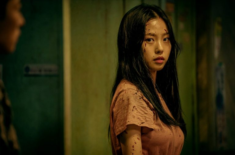 Main role · lee si young. Netflix S Sweet Home Is A Grim Drama About Humans And Monsters Cinema Escapist