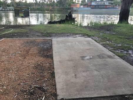 concrete-slab-campsite-mildura
