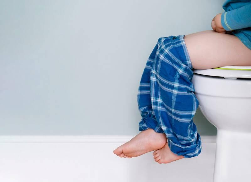 小孩子便秘該用軟便劑嗎?兒科醫師:先從癥狀判斷就醫時機! Mombaby 媽媽寶寶懷孕生活網