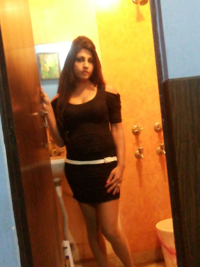 Hot Indian Shemale in Delhi Indian Transsexual escort in