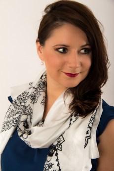 Adela Designer Schal kaufen social fashion tragen 2