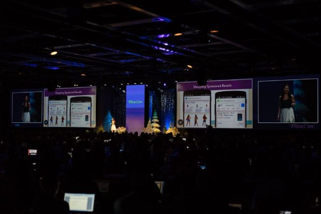 Cindy Krum on the MozCon 2015 stage