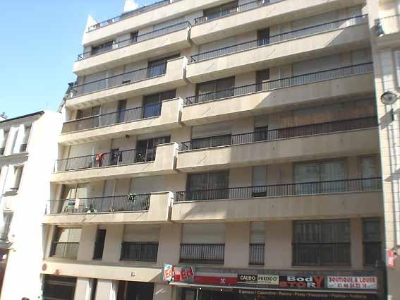 2P RUE DE SEVRES PARIS 6  IMM MODERNE 5EME ASCENSEUR  Location appartements Paris