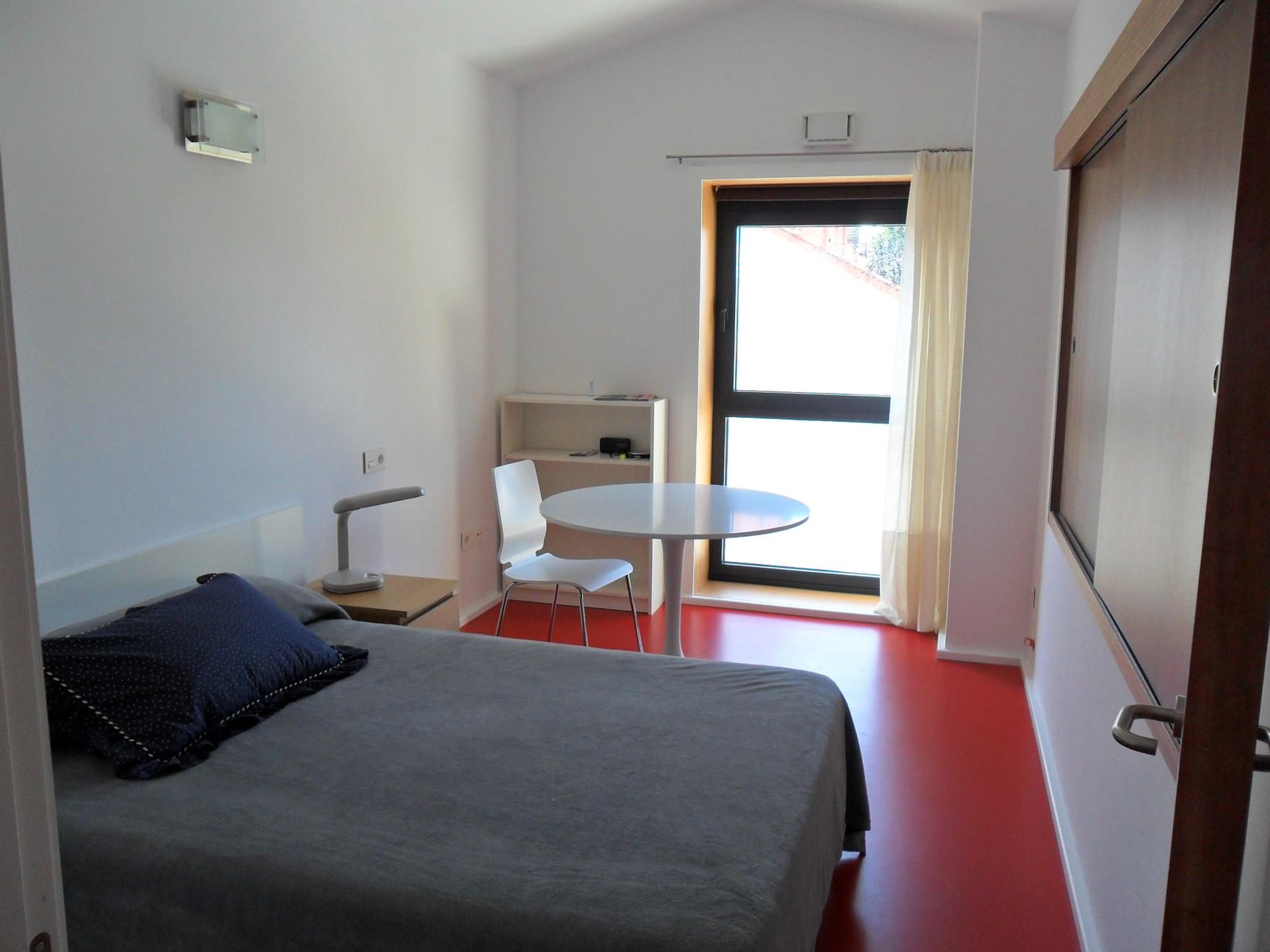 Apartamentoestudio con cocina independiente  Alquiler