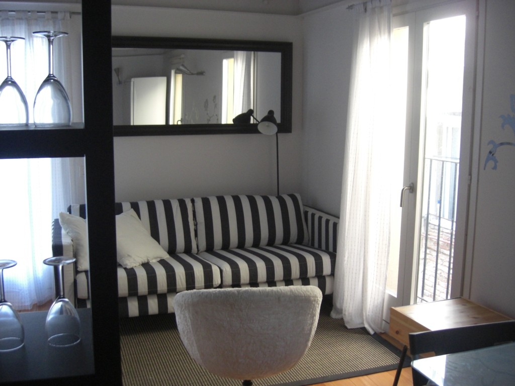 Appartement Studio 30m  Terrasse prive 25m Duplex  Location appartements Barcelone