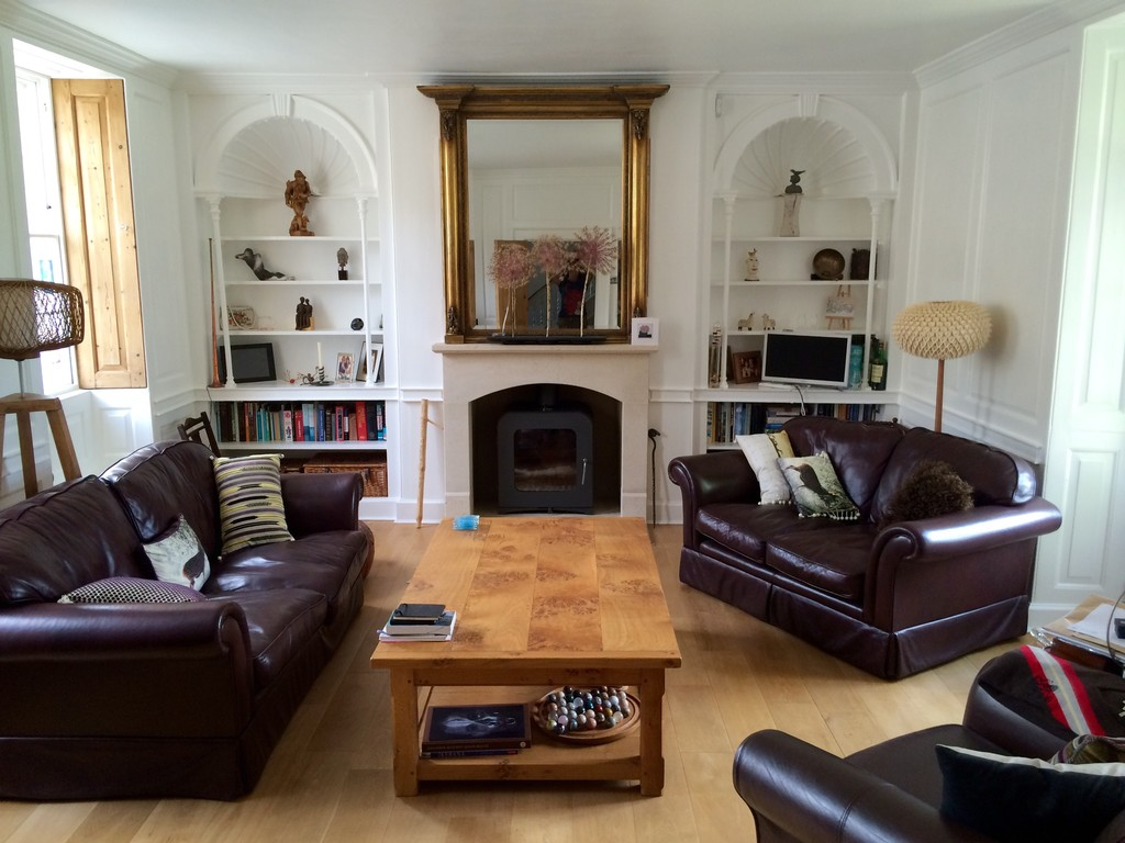 Large beautiful room in Georgian home easy bus ride or cycling to Oxford Uni  University dorm
