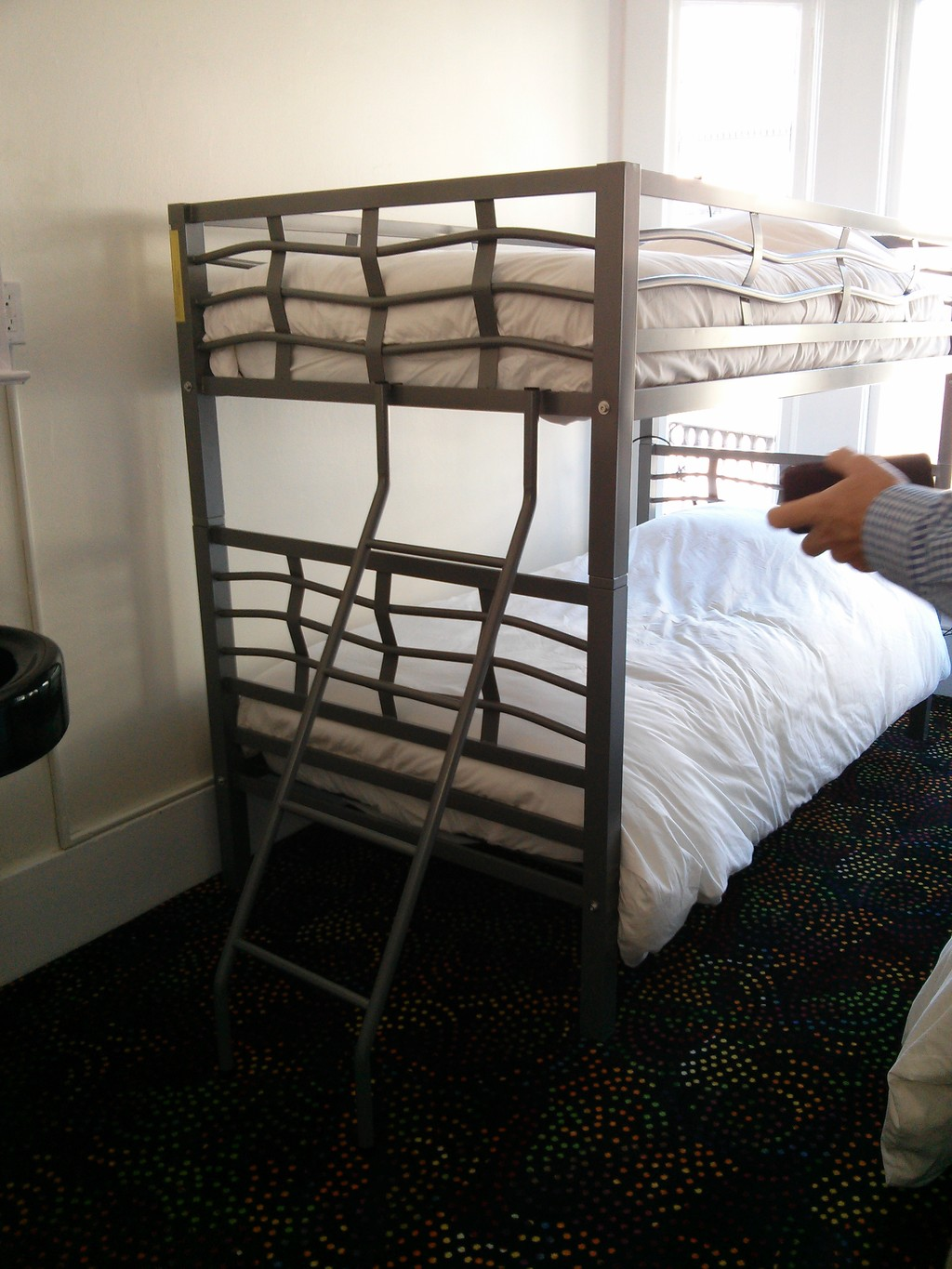 make up chairs best mesh office chair beds in double or triple rooms great student residence the heart of san francisco ...