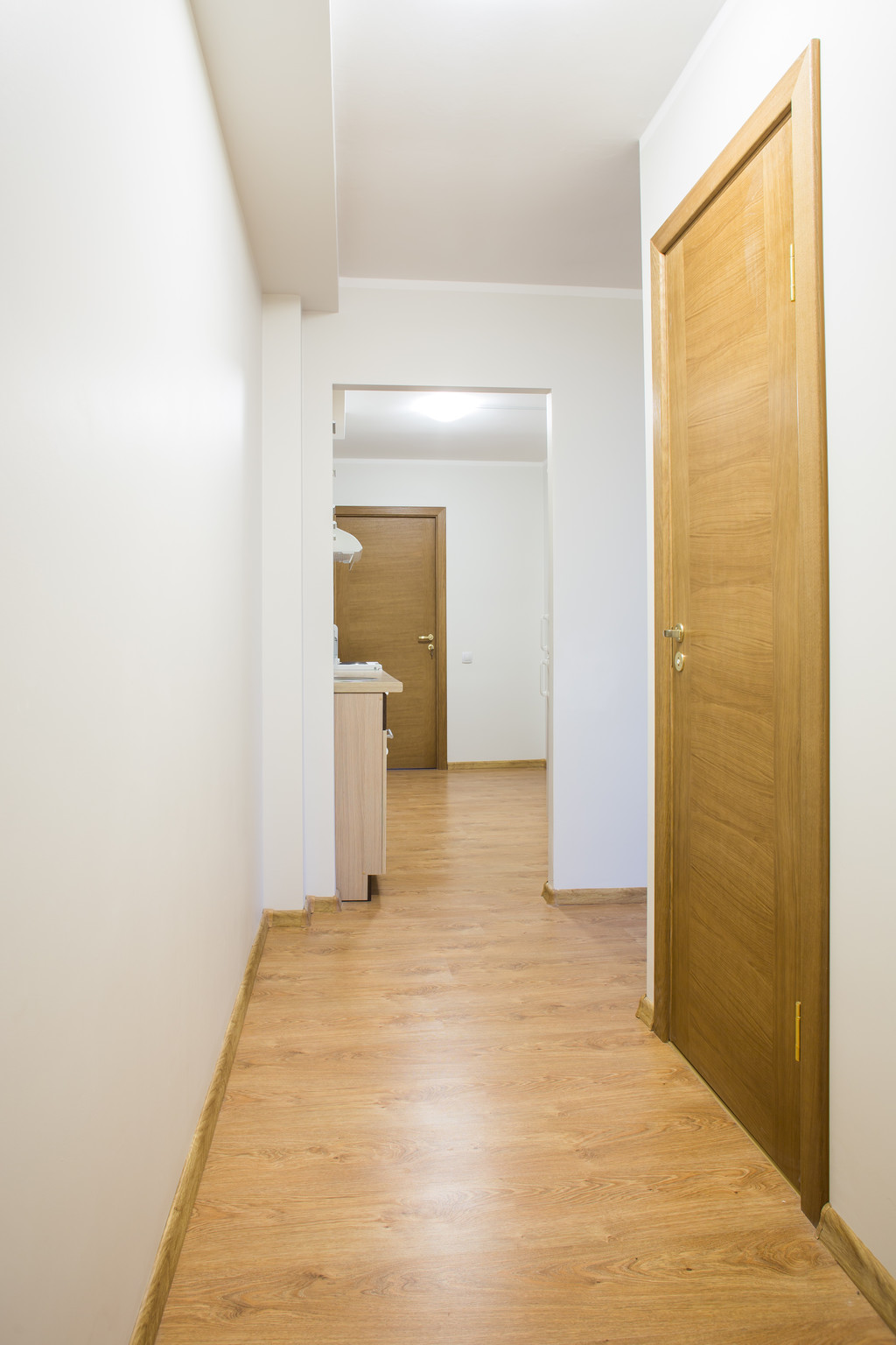 Charming room in 4room apartment in Riga City center  Room for rent Riga
