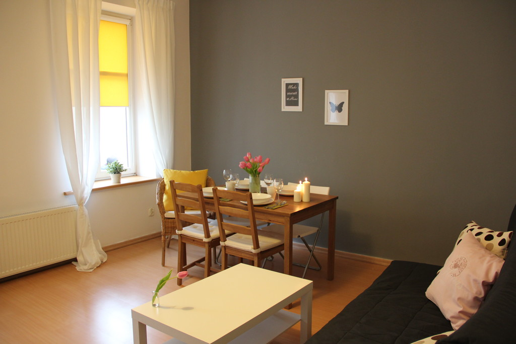Cheap 2 bedroom apartment close to the Technical