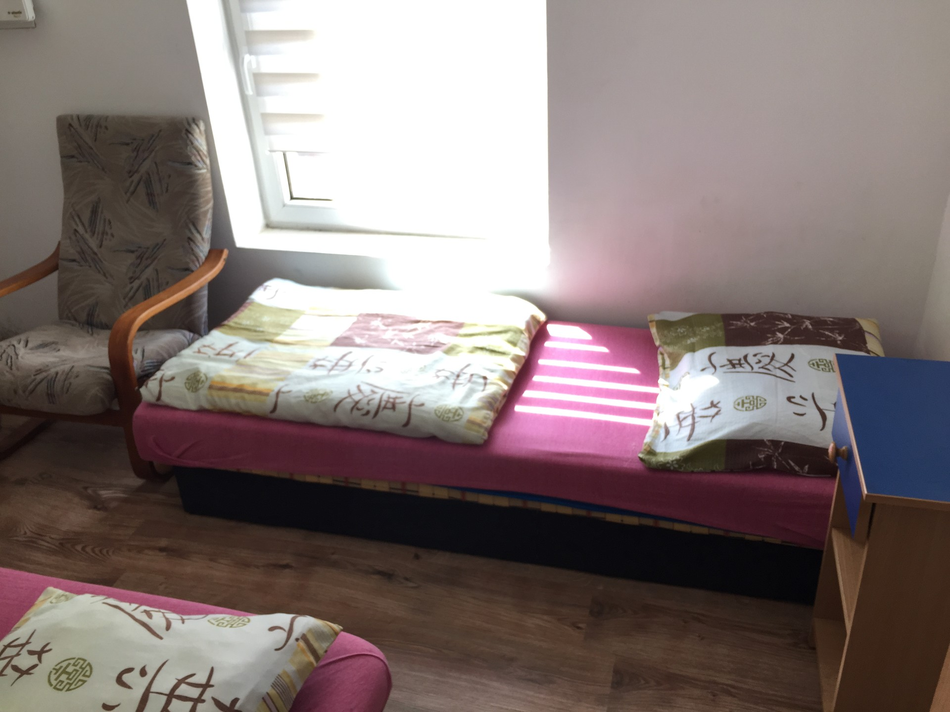 Nice cheap Rooms 8m2 near the airport  Room for rent Poznan