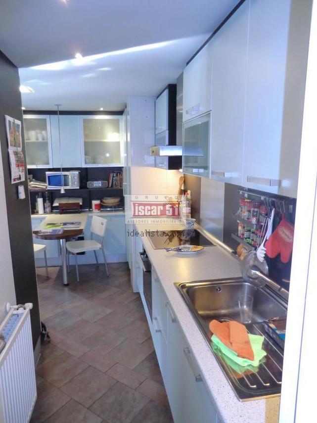 Alquiler cuartos en apartamento dplex de diseo amueblado rehabilitado y con piscina  Alquiler habitaciones Alcal De Henares