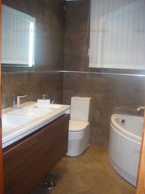 Estupenda habitacin doble en piso con piscina en Legans