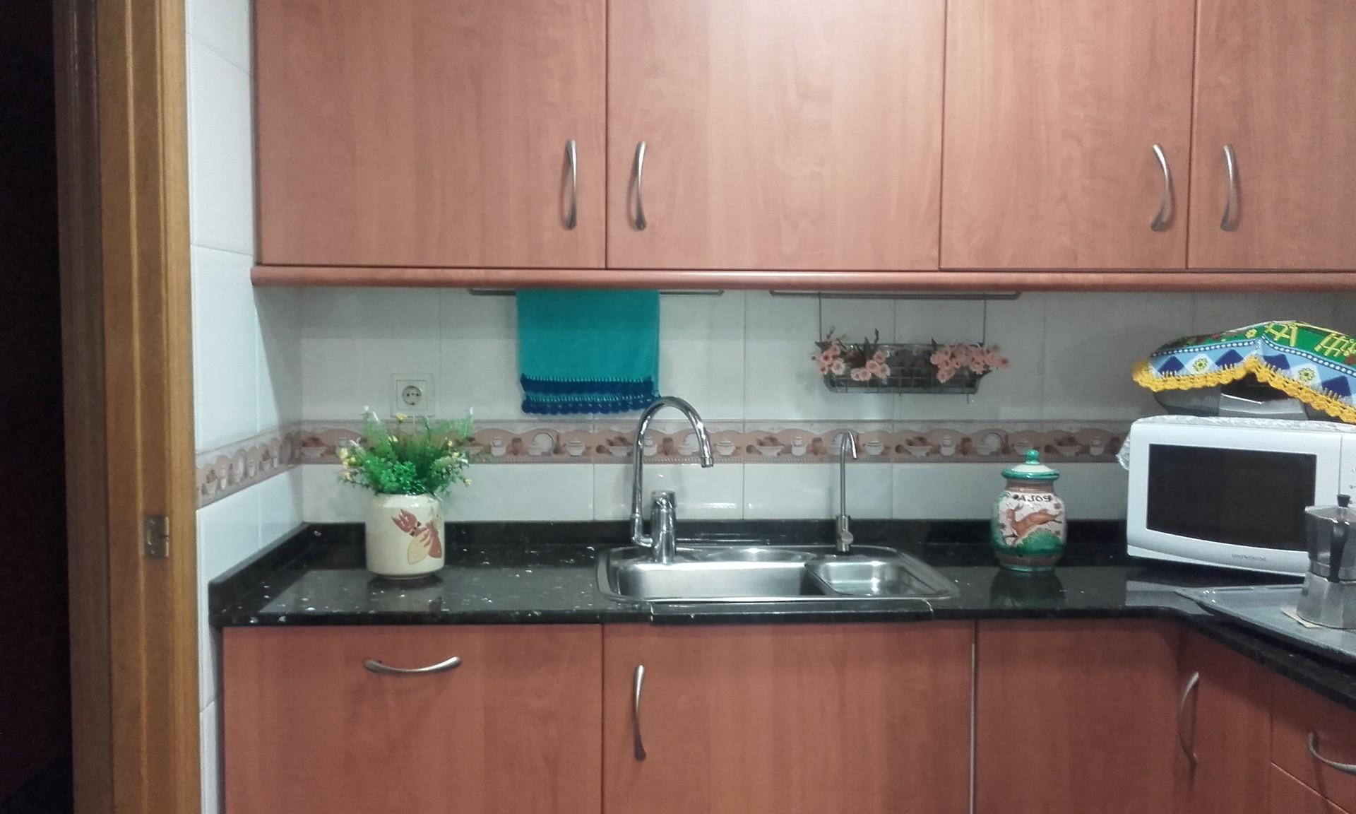 habitacin doble en piso amplio y soleado en Madrid