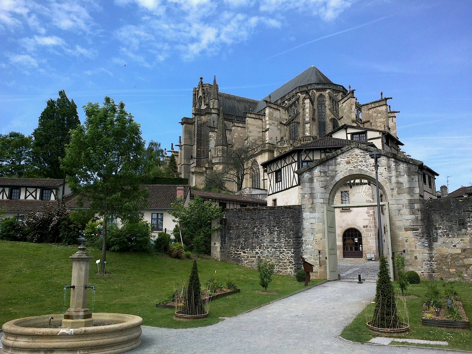 Experiencing Limoges France by hakima | Erasmus ...