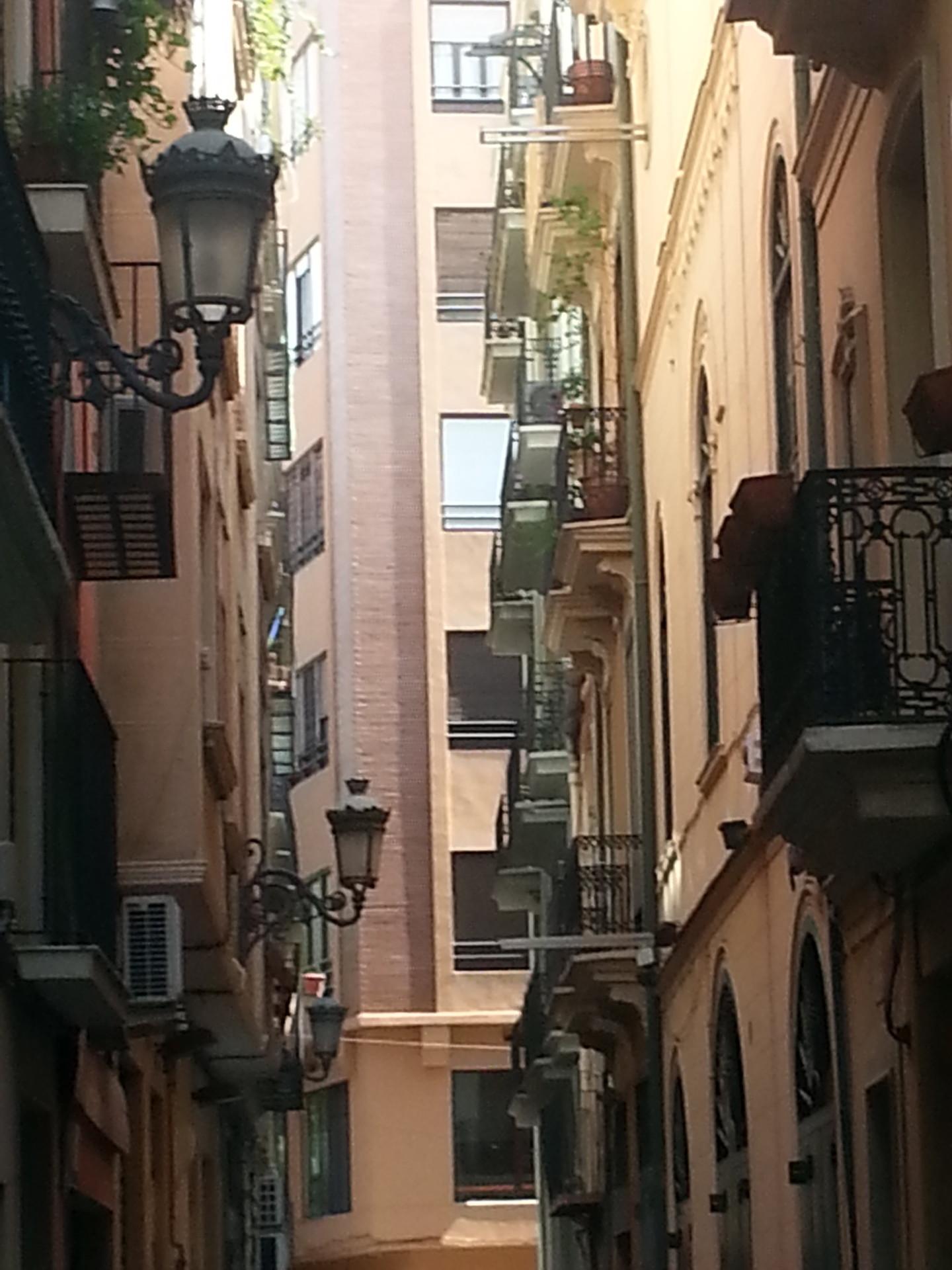 Habitacin bonita individual en calle peatonal  Alquiler habitaciones Valencia
