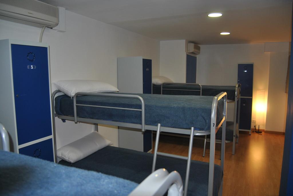 Habitacion Compartida en Residencia  Shared Room in Youth