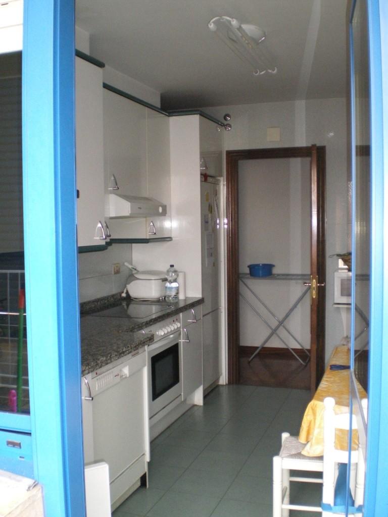 Habitacin piso compartido Oviedo  ERASMUS  Zona Milan