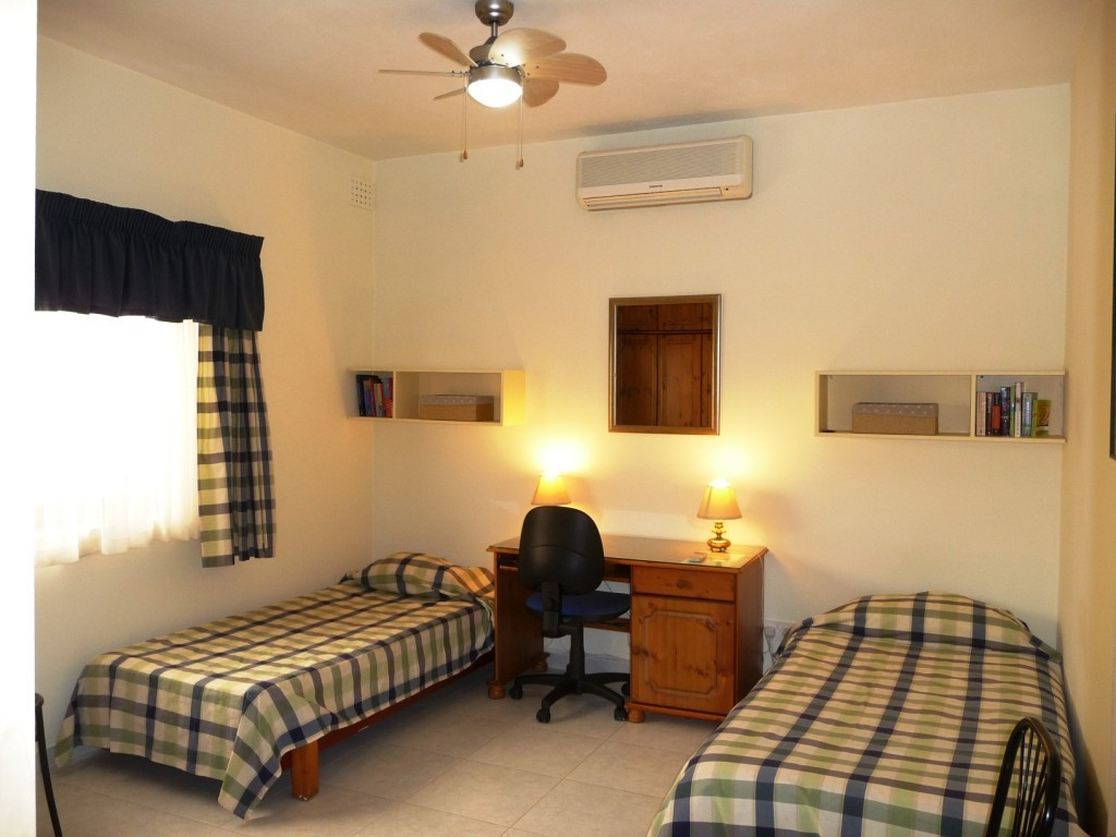 kitchen for rent modern flooring home stay rooms next to the university of malta ...