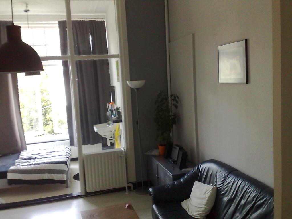 seats and sofas den haag contact air lounge comfort sofa bed india laan van meerdervoort 347 in 30 m2 room available