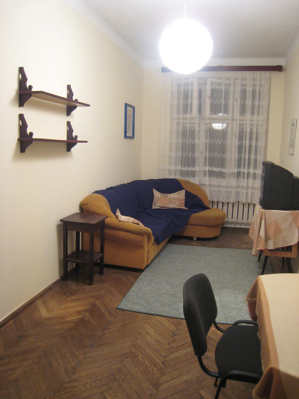 kitchen for rent outside grill one room but quite big flat 40m2 with to from now no