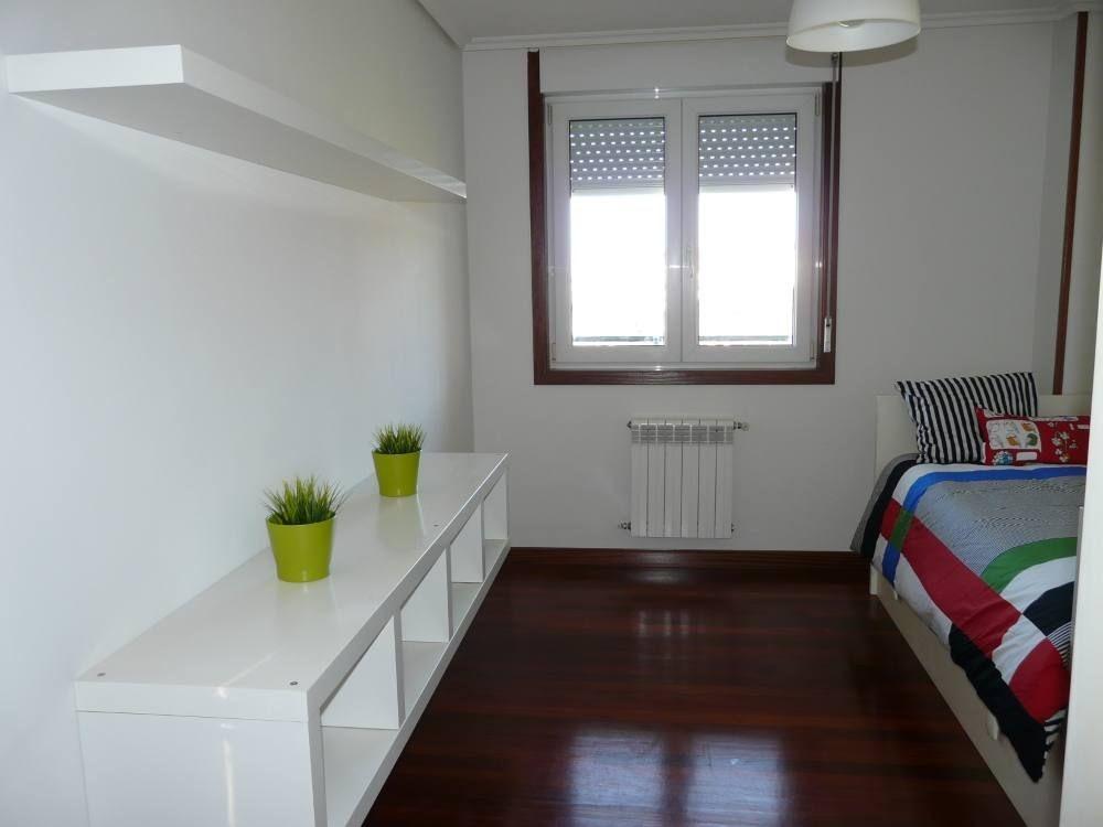 Piso amplio amueblado y renovado 3 habitaciones y 2 baos