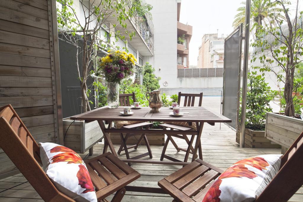 Piso amplio con terraza en el centro de Barcelona