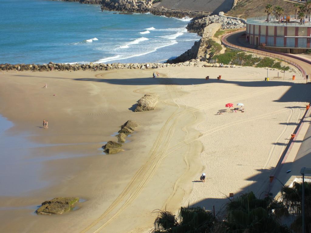 piso tres dormitorios soleado junto a playa Santa Maria