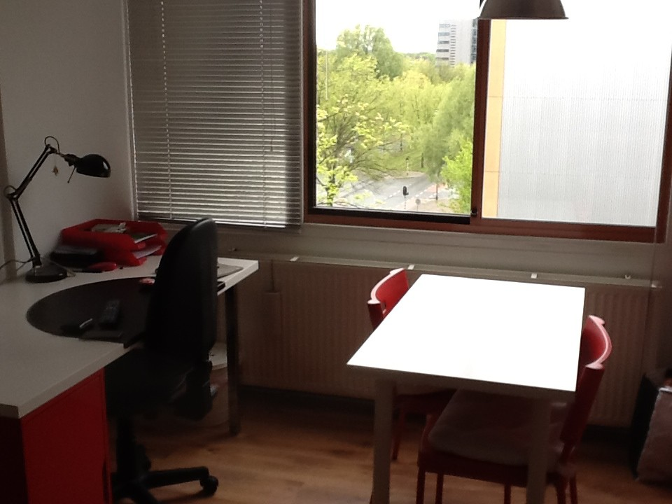 small kitchen table with 2 chairs orange room delft | for rent