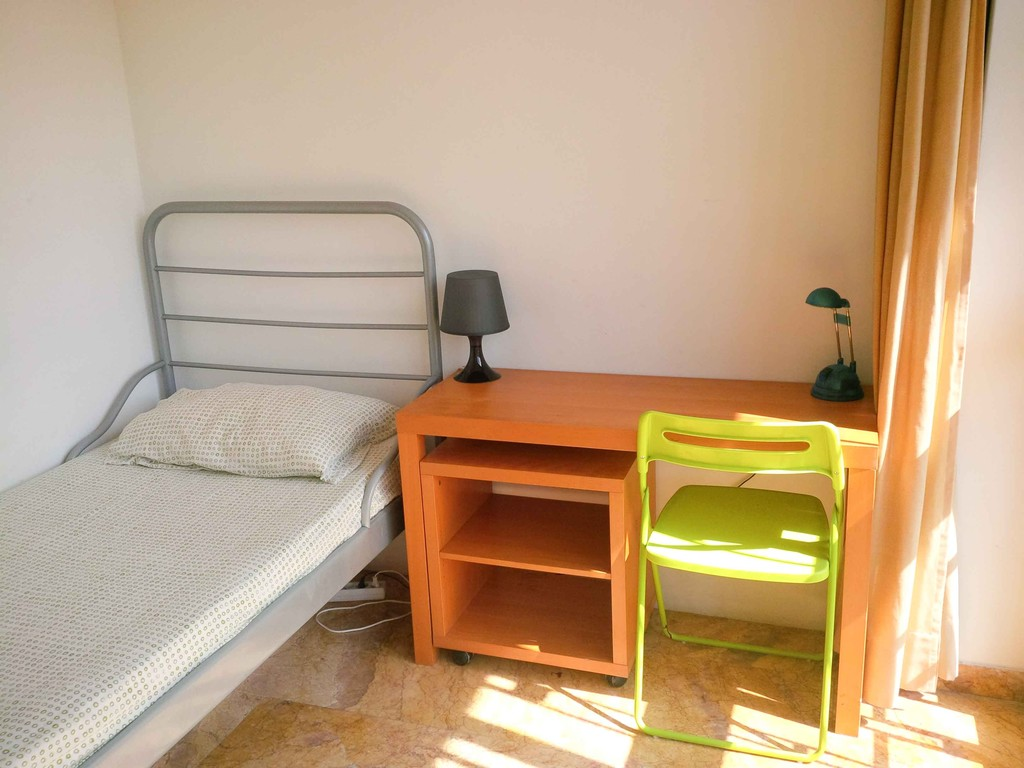 Rooms for rent in a lovely student house  Flat rent Rome