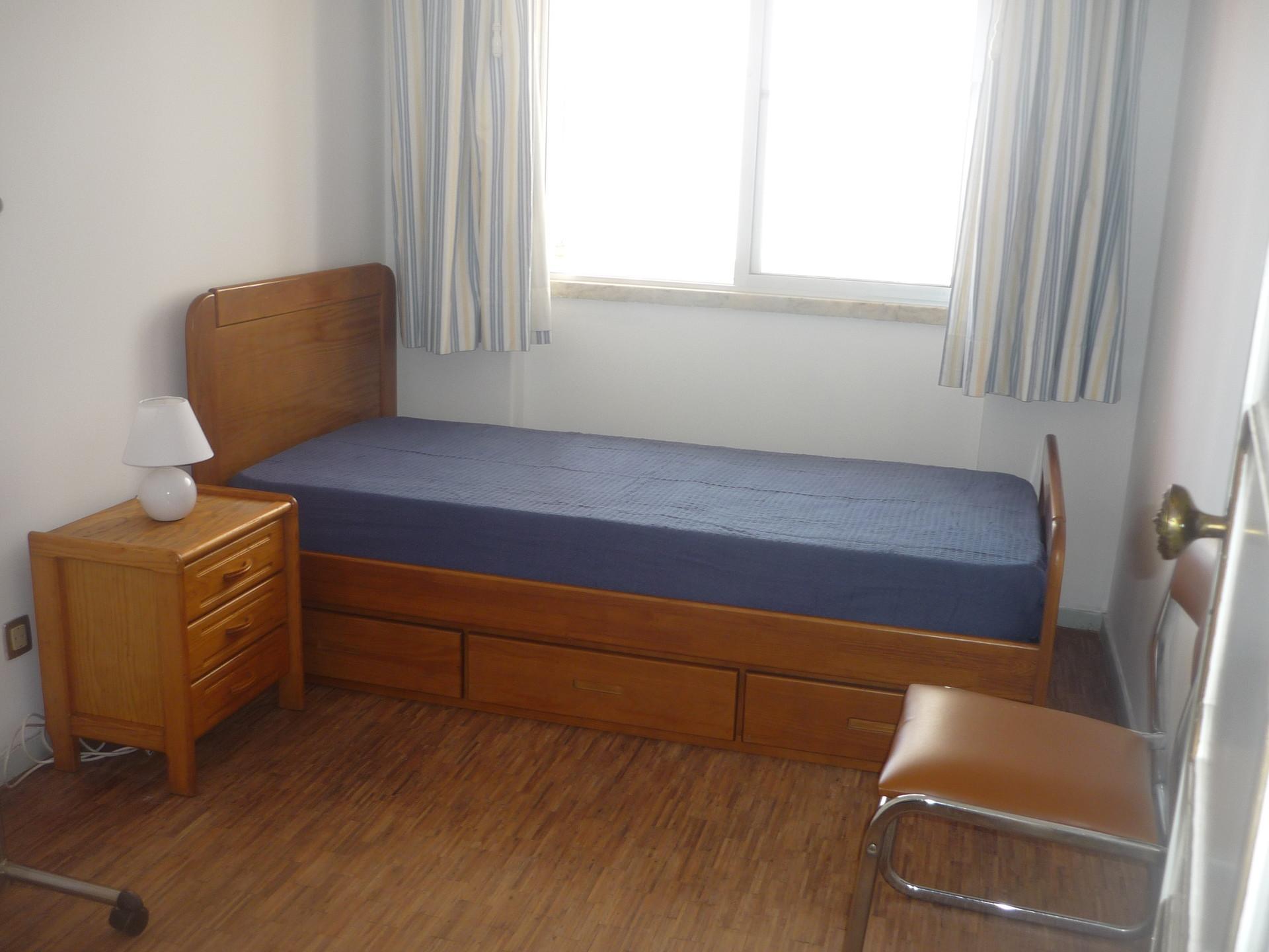 Single Room for Rent in Benfica  Alugo Quarto Individual