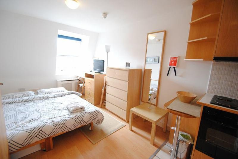 Spacious double rooms to rent in a sought after Clifton