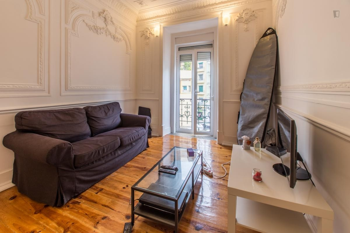 Stunning 9m2 Room In Central Lisbon Apartment Room For