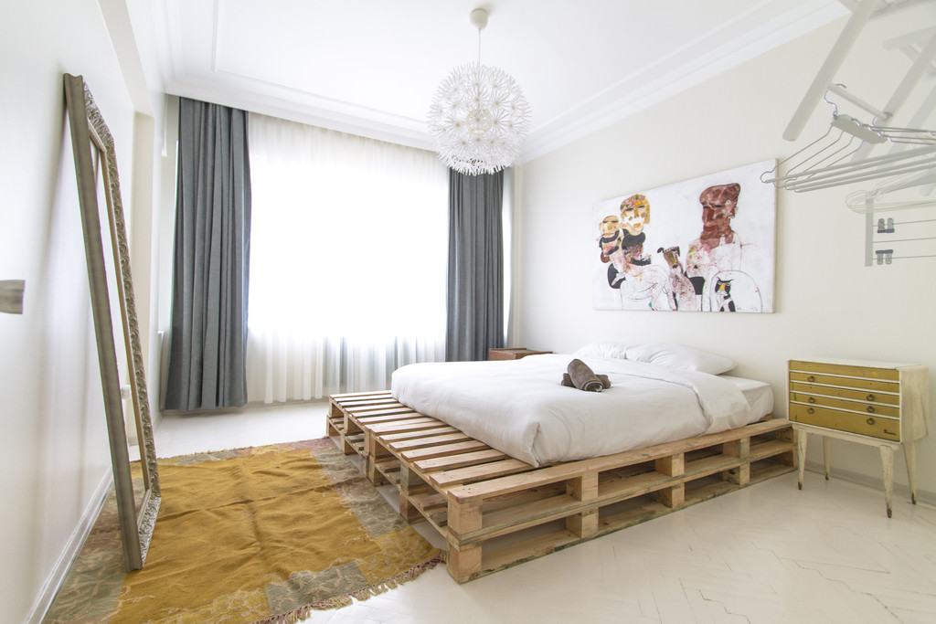 Trendy Apt With 2 Rooms For Rent In Taksim Beyoglu Room For Rent Istanbul