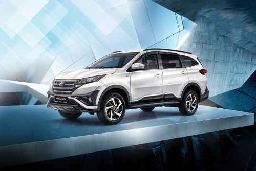 grand new avanza vs all rush veloz review toyota 2019 price in malaysia reviews specs front angle low view