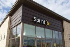 MOBILE NOW Closes 100 Sprint Stores - NWIDA - Stock Photo - Sprint Store -