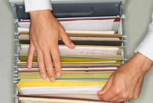 tumpukan kertas syarat dan ketentuan