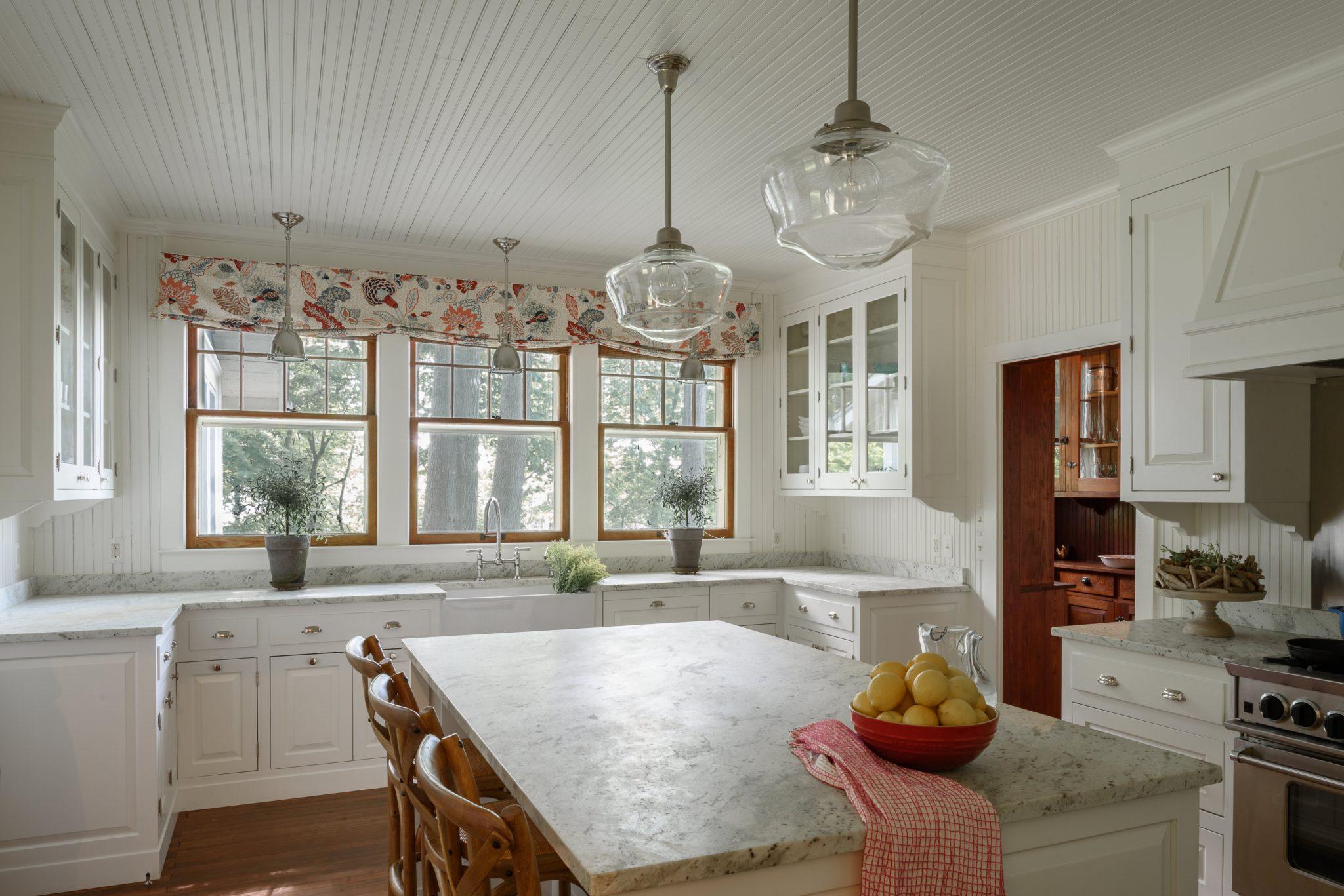 26 Cottage Style Kitchens Chairish Blog