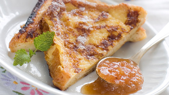 German French Toast With Applesauce