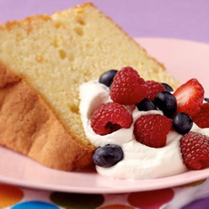 angel food cake dessert with berries