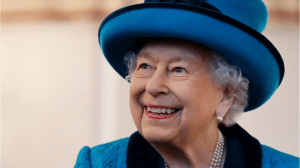 Queen Elizabeth II returns to royal duties a few days after Prince Philip's death – KIRO 7 News Seattle