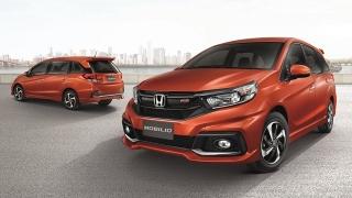 grand new veloz vs mobilio rs cvt avanza 2018 compare honda 1 5 e mt toyota g at autodeal front and rear