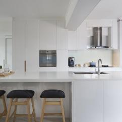 Best Kitchen Hood White Bench Up Or Down Which Is For Your Home Qanvast Downdraft Updraft