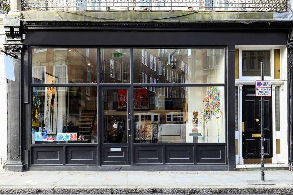 Stylish Art In Kensington Storefront