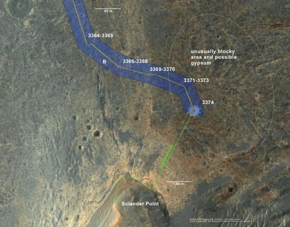 """Oportunidad ubicación rover en la última imagen MRO / HiRISE color.  La línea verde muestra más o menos la ruta que esperamos tener a la base del punto de Solander.  Ya que es sólo un par de cientos de metros de distancia, podríamos estar hay un par de unidades.  Tal vez a finales de la próxima semana.  La etiqueta dice """"3374"""", pero esto también es más o menos la ubicación a través de 3379."""